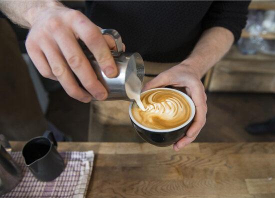 Reportaje fotográfico estilo documental de distintias cafeterías de Londres, hecho por Alejandra Carles-Tolrá